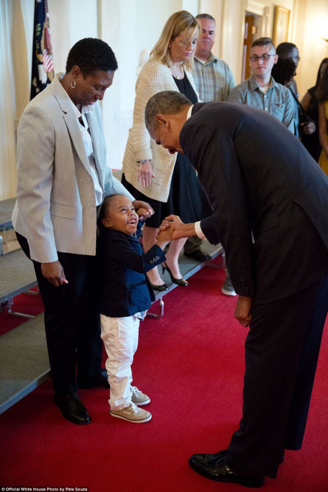 Nhung khoanh khac cua Tong thong Barack Obama trong nam cuoi cung tai Nha Trang