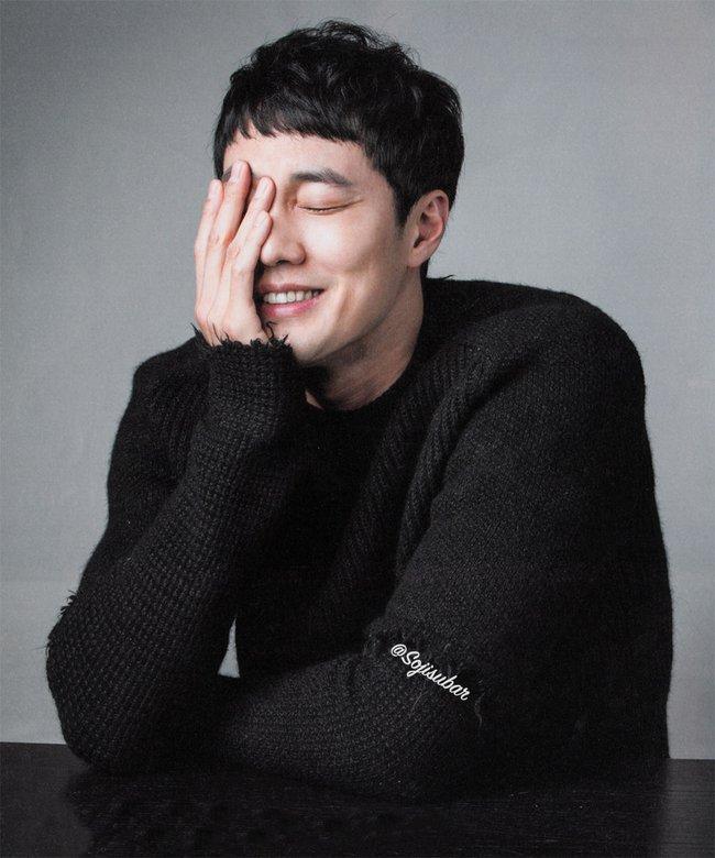 Song Joong Ki bỏ xa Kim Soo Hyun trong BXH sao nam hot nhất xứ Đài - Ảnh 4.