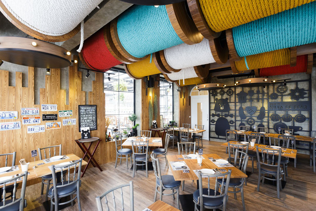 Ghé thăm nhà hàng gấu bông dễ thương tại xứ Chùa Vàng - Ảnh 6.