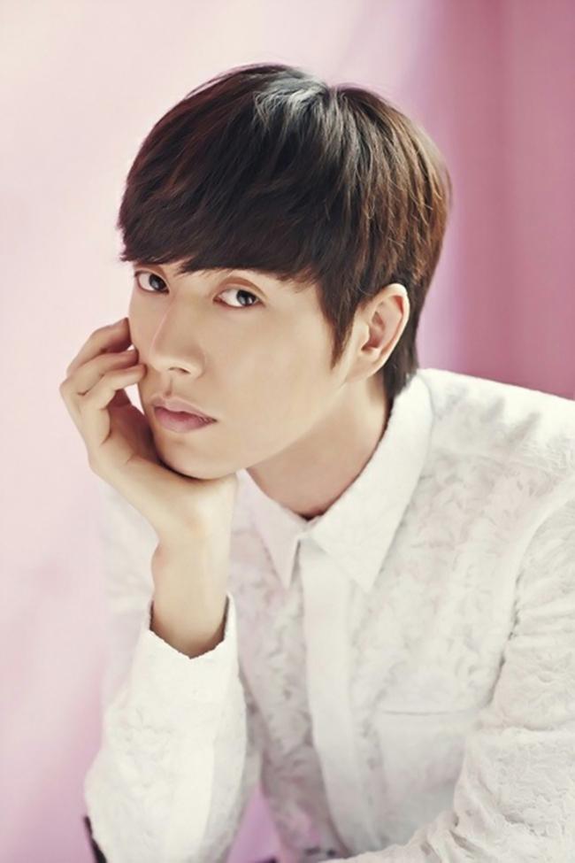 Song Joong Ki bỏ xa Kim Soo Hyun trong BXH sao nam hot nhất xứ Đài - Ảnh 8.