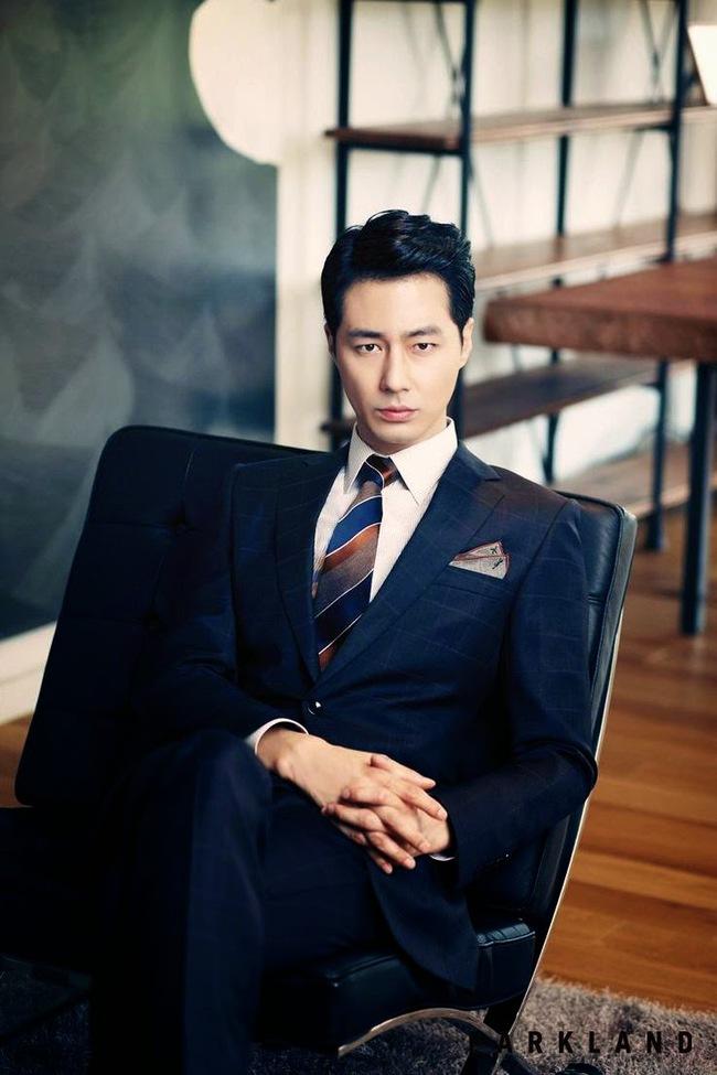 Song Joong Ki bỏ xa Kim Soo Hyun trong BXH sao nam hot nhất xứ Đài - Ảnh 9.