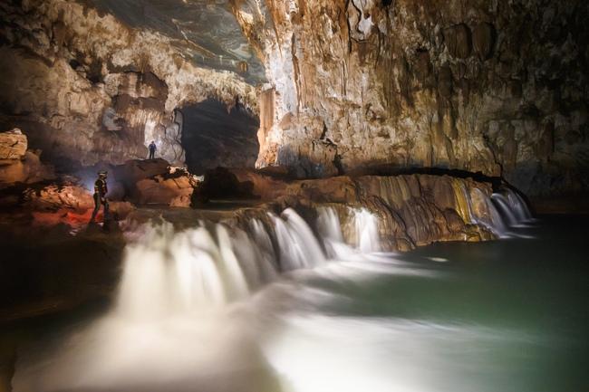 Không chỉ Sơn Đoòng, Quảng Bình còn có một hang động khác hoang sơ và đẹp đến ngạt thở! - Ảnh 11.