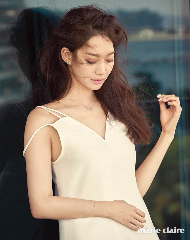 Cuộc chiến nhan sắc giữa Suzy và Seolhyun trên tạp chí: Ai đẹp hút hồn hơn? - Ảnh 21.