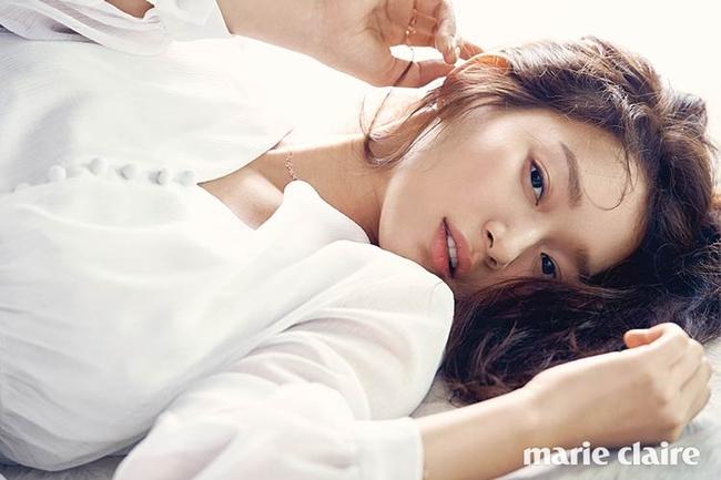 Cuộc chiến nhan sắc giữa Suzy và Seolhyun trên tạp chí: Ai đẹp hút hồn hơn? - Ảnh 23.