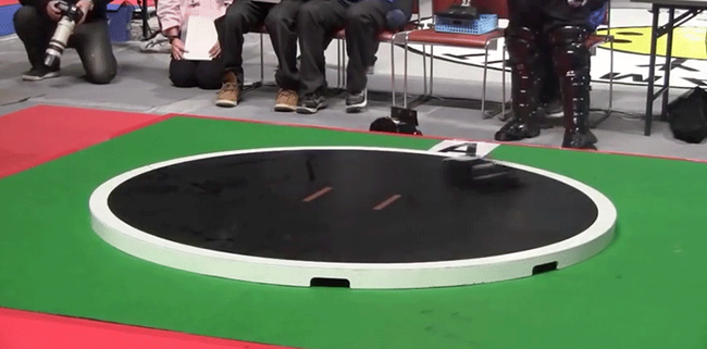 Không chỉ là máy móc, giờ robot còn biết đấu sumo như con người - Ảnh 2.