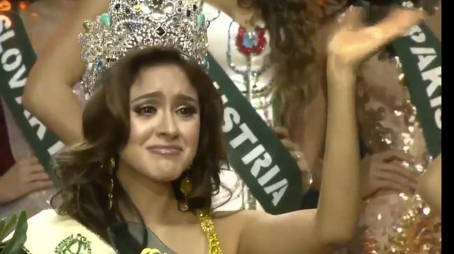 Cận cảnh nhan sắc người đẹp đã đánh bại Nam Em, đăng quang Miss Earth 2016 - Ảnh 2.
