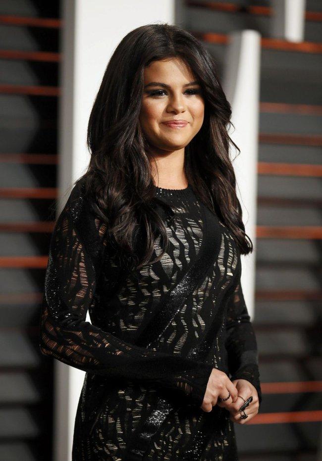 Hành trình nhan sắc thất thường của Selena: Khi thì béo ú, lúc lại đẹp khó cưỡng - Ảnh 17.