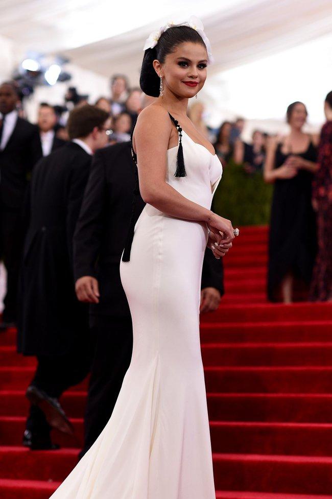Hành trình nhan sắc thất thường của Selena: Khi thì béo ú, lúc lại đẹp khó cưỡng - Ảnh 18.