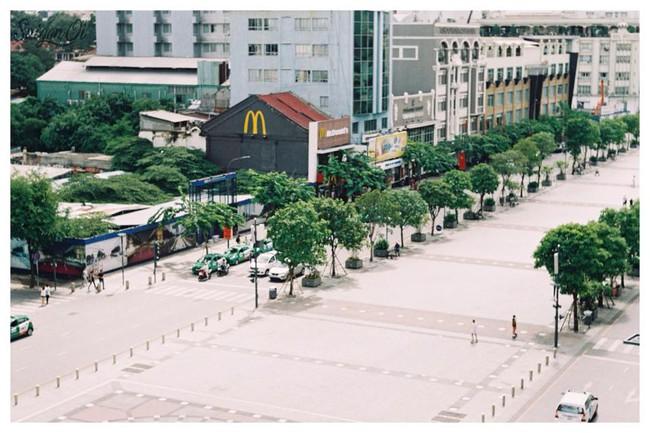 Ngắm mưa ở Sài Gòn, nhất định phải ghé 4 quán cafe này! - Ảnh 16.