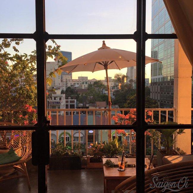 Ngắm mưa ở Sài Gòn, nhất định phải ghé 4 quán cafe này! - Ảnh 11.