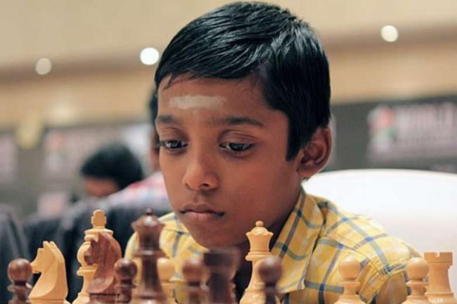 11 tuổi, con nhà người ta đã trở thành kiện tướng cờ vua quốc tế trẻ nhất thế giới - Ảnh 1.