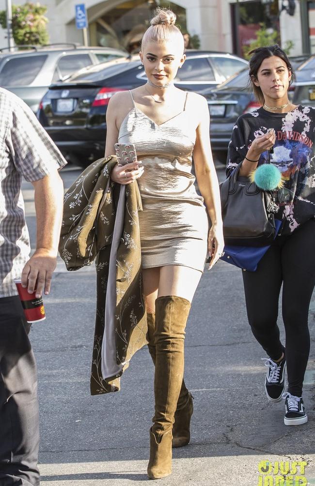 Hà Hồ mặc street style đẹp như thế này thì ngán gì ngôi sao quốc tế nào - Ảnh 20.