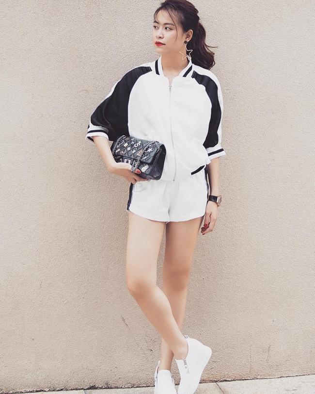 Phạm Hương diện váy xinh như công chúa, bộ đôi SNSD để lộ nội y tại sân bay - Ảnh 9.