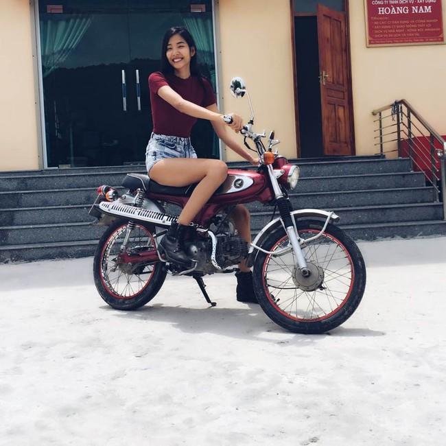 Phạm Hương mặc jeans vẫn sang như thường, Lilly Nguyễn lộ dáng thô vì đồ cá tính - Ảnh 8.