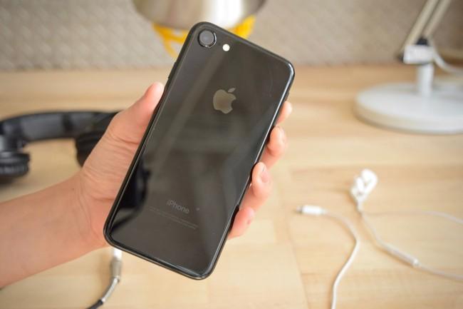 Nữ BTV người Mỹ gốc Việt tái xuất giang hồ với bài review iPhone 7 siêu nhắng nhít - Ảnh 11.