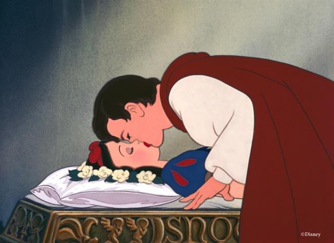 Disney chính thức sản xuất phiên bản live-action của Nàng Bạch Tuyết Và Bảy Chú Lùn - Ảnh 1.