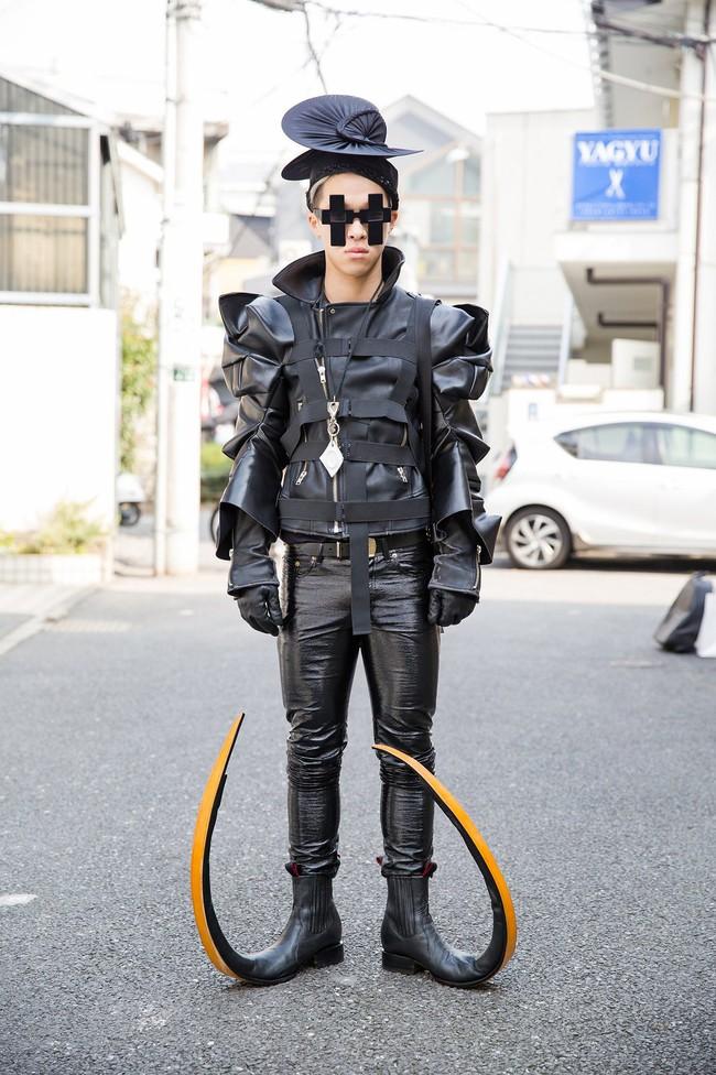 Tuần lễ thời trang Tokyo: vẫn bắt mắt, vẫn dị đến tận cùng! - Ảnh 3.