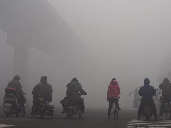 Khung cảnh đáng sợ ở 15 thành phố lớn ô nhiễm nhất thế giới - Ảnh 2.