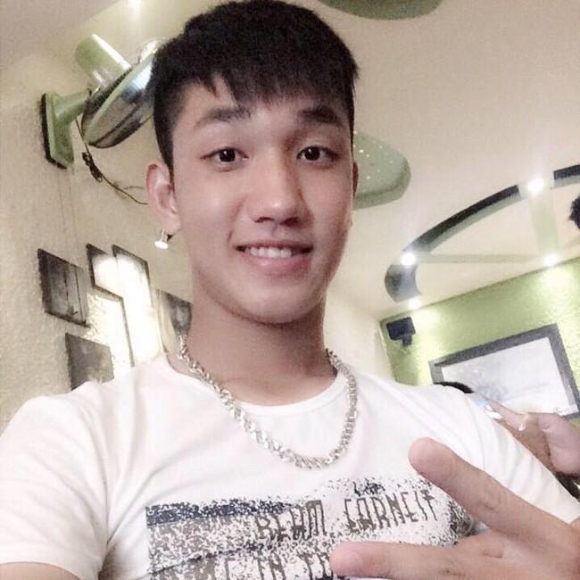 """Đội trưởng """"hot boy""""  U19 Việt Nam đang được dân cư mạng săn lùng"""