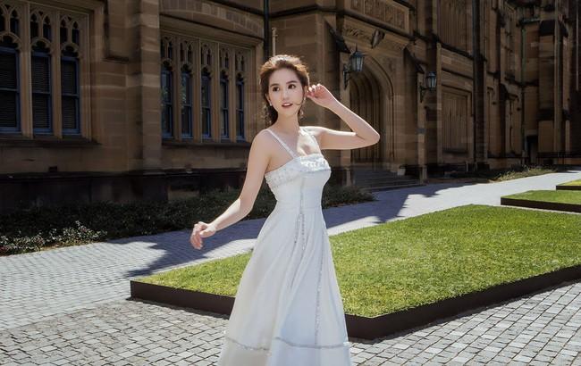 Ngọc Trinh xinh như công chúa trong bộ ảnh thực hiện tại Úc - Ảnh 1.