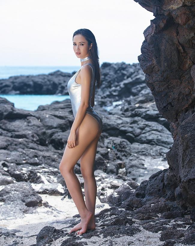 Yến Trang bán nude, Vũ Ngọc Anh đốt mắt với hình thể nóng bỏng - Ảnh 12.