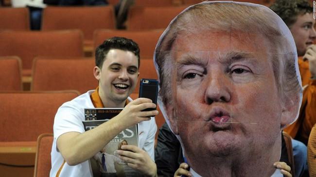 Những bức ảnh selfie nổi tiếng nhất năm 2016 - Ảnh 3.