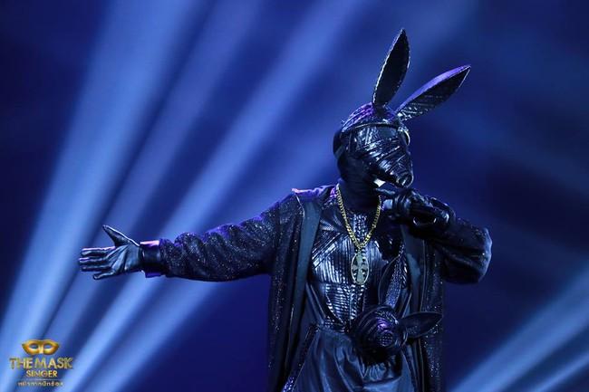 Chỉ có Thái Lan mới sáng tạo ra những ca sĩ mặt nạ kỳ quái như thế này! - Ảnh 6.