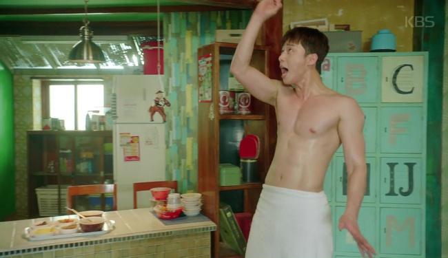 Park Seo Joon cởi trần hát rống, Kim Ji Won đắp lông mày không đỡ nổi! - Ảnh 2.