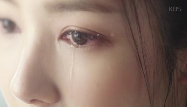 Vương hậu Park Min Young đẹp thoát tục trong phim mới - Ảnh 4.