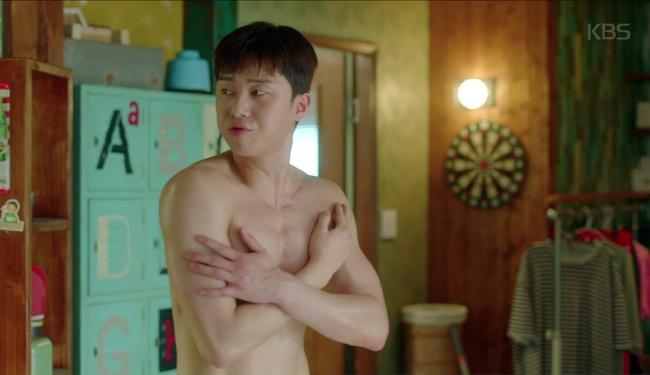 Park Seo Joon cởi trần hát rống, Kim Ji Won đắp lông mày không đỡ nổi! - Ảnh 3.