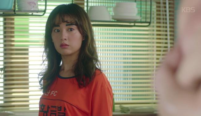 Park Seo Joon cởi trần hát rống, Kim Ji Won đắp lông mày không đỡ nổi! - Ảnh 5.