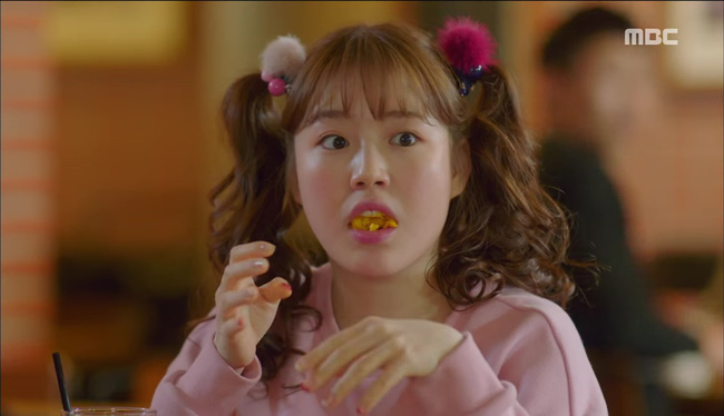 """""""Tiên Nữ Cử Tạ"""": Nam Joo Hyuk suýt thòng tim khi bị gấu phát hiện lén đi xem mắt - Ảnh 6."""