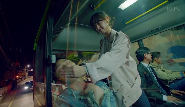 Park Seo Joon cởi trần hát rống, Kim Ji Won đắp lông mày không đỡ nổi! - Ảnh 6.