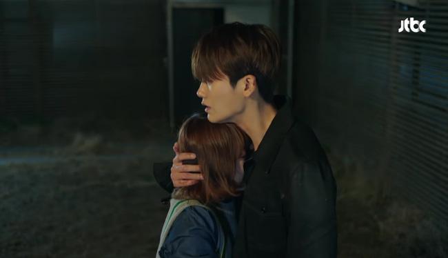 Park Hyung Sik tóe máu vì cứu Park Bo Young mà không biết vừa bị troll? - Ảnh 8.