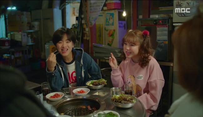"""""""Tiên Nữ Cử Tạ"""": Nam Joo Hyuk suýt thòng tim khi bị gấu phát hiện lén đi xem mắt - Ảnh 10."""
