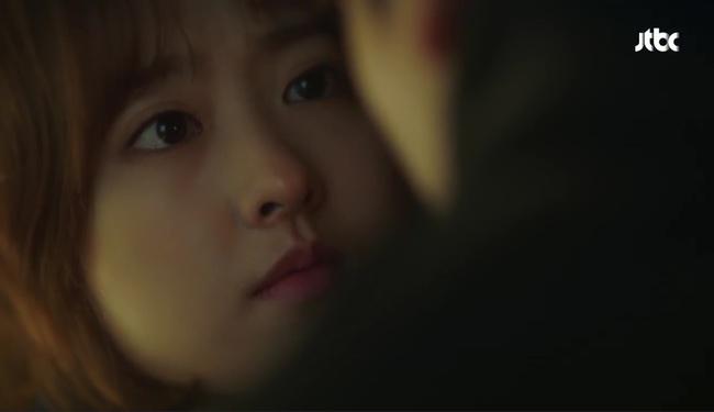 Park Hyung Sik tóe máu vì cứu Park Bo Young mà không biết vừa bị troll? - Ảnh 13.