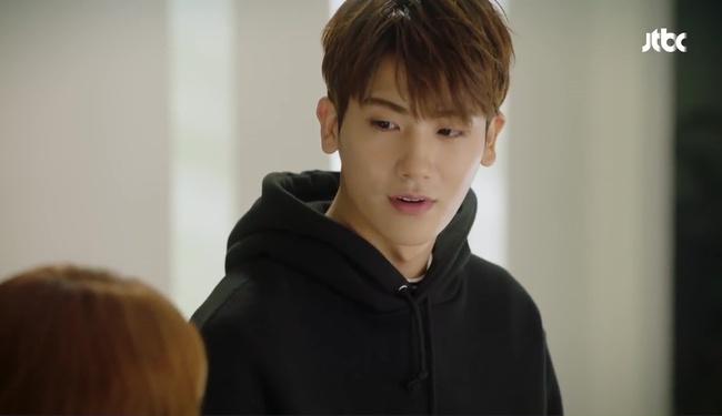 Park Hyung Sik tóe máu vì cứu Park Bo Young mà không biết vừa bị troll? - Ảnh 17.