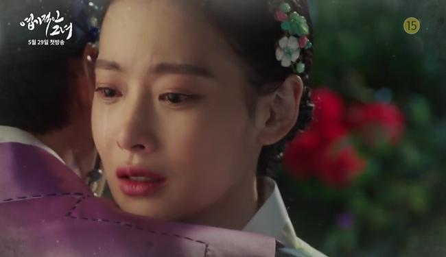 Park Seo Joon cởi trần hát rống, Kim Ji Won đắp lông mày không đỡ nổi! - Ảnh 19.