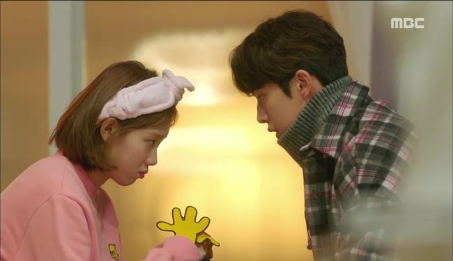 """""""Tiên Nữ Cử Tạ"""": Nam Joo Hyuk suýt thòng tim khi bị gấu phát hiện lén đi xem mắt - Ảnh 22."""