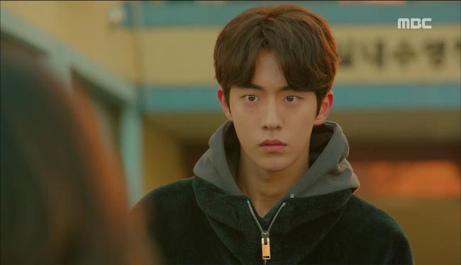 """""""Tiên Nữ Cử Tạ"""": Nam Joo Hyuk suýt thòng tim khi bị gấu phát hiện lén đi xem mắt - Ảnh 37."""