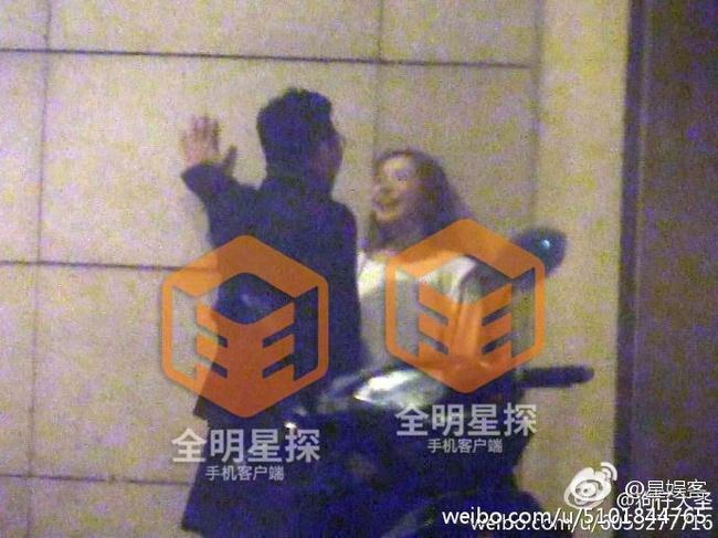 Lại thêm một nam ca sĩ nổi tiếng bị Phong Hành tung bằng chứng ngoại tình với gái trẻ - Ảnh minh hoạ 3