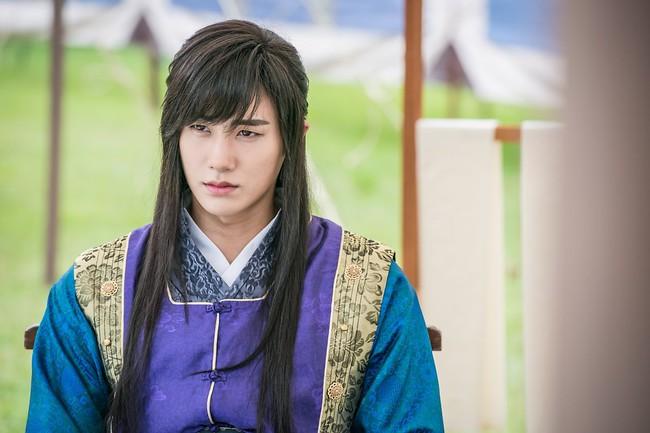 Trừ 9 cái tên này, idol Hàn đóng phim dở thật đấy! - Ảnh 2.