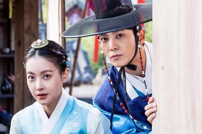 """5 scandal """"làm màu"""" đáng chê cười nhất của màn ảnh Hàn Quốc - Ảnh 3."""