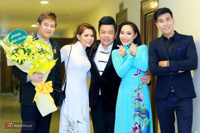 Phương Mỹ Chi ngày càng chững chạc, ân cần chăm sóc ba nuôi Quang Lê trong hậu trường - Ảnh 11.