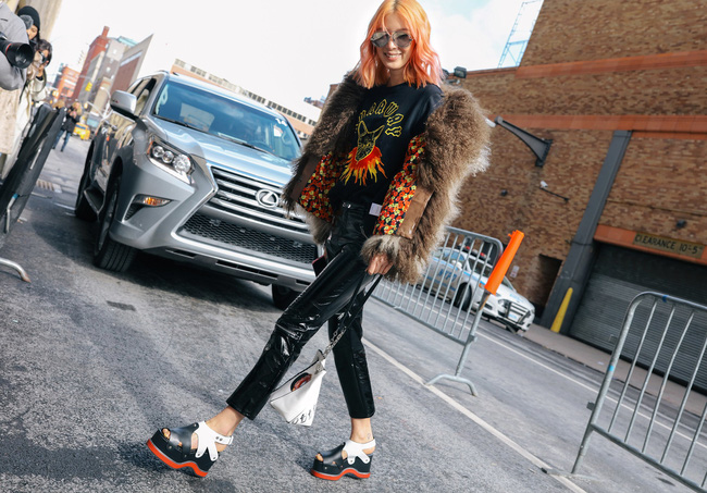 Chiêm ngưỡng đặc sản street style không đâu đẹp bằng của Tuần lễ thời trang New York - Ảnh 6.