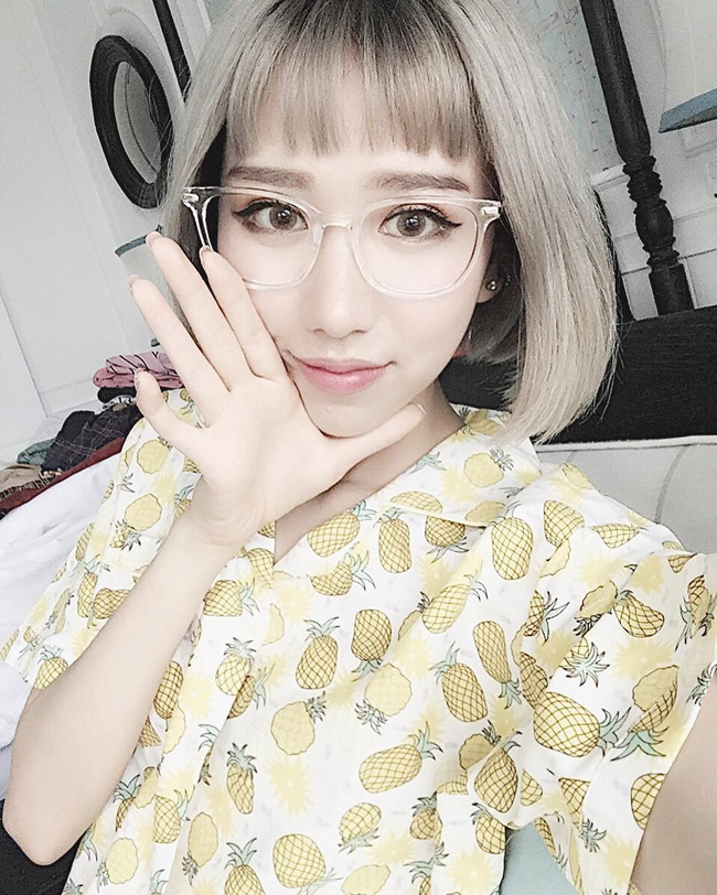 Tưởng đã hạ nhiệt, mốt tóc mái Maruko ngắn cũn lại đang thu phục hàng loạt sao và hot girl Việt - Ảnh 4.