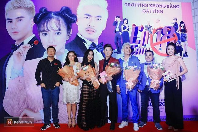 Kaity Nguyễn và Châu Bùi đọ sắc trên thảm đỏ Em Chưa 18 - Ảnh 8.