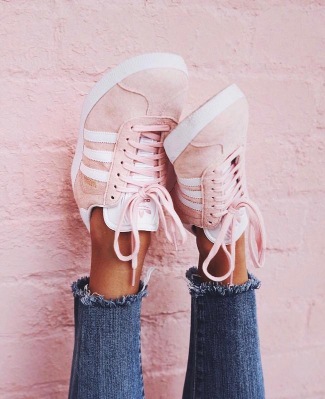 Không phải sneaker đen hay trắng, sneaker màu bánh bèo mới là boss trong lòng con gái Việt thời gian này - Ảnh 6.