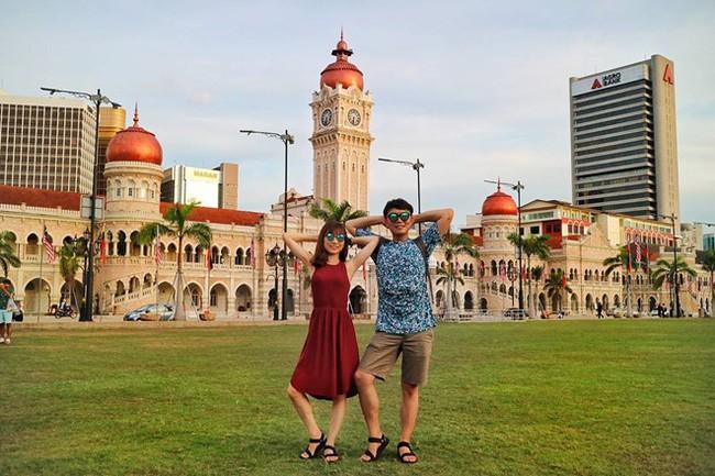 """Cặp đôi tung hoành khắp châu Á với bộ ảnh chụp """"trăm nơi như một"""" - ảnh 2"""