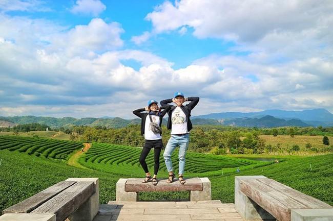 """Cặp đôi tung hoành khắp châu Á với bộ ảnh chụp """"trăm nơi như một"""" - ảnh 4"""